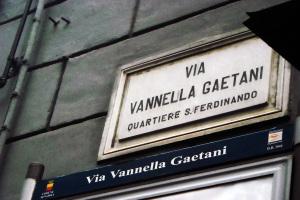 1.Napoli_viaVannellaGaetani_LucianaSarnataro