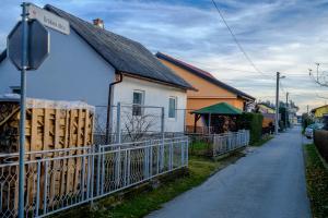 9. MARIBOR_Urskina ulica (2)