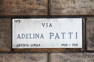 7.AdelinaPatti
