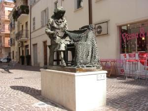 3.Monumento alla retara.San Benedetto del tronto